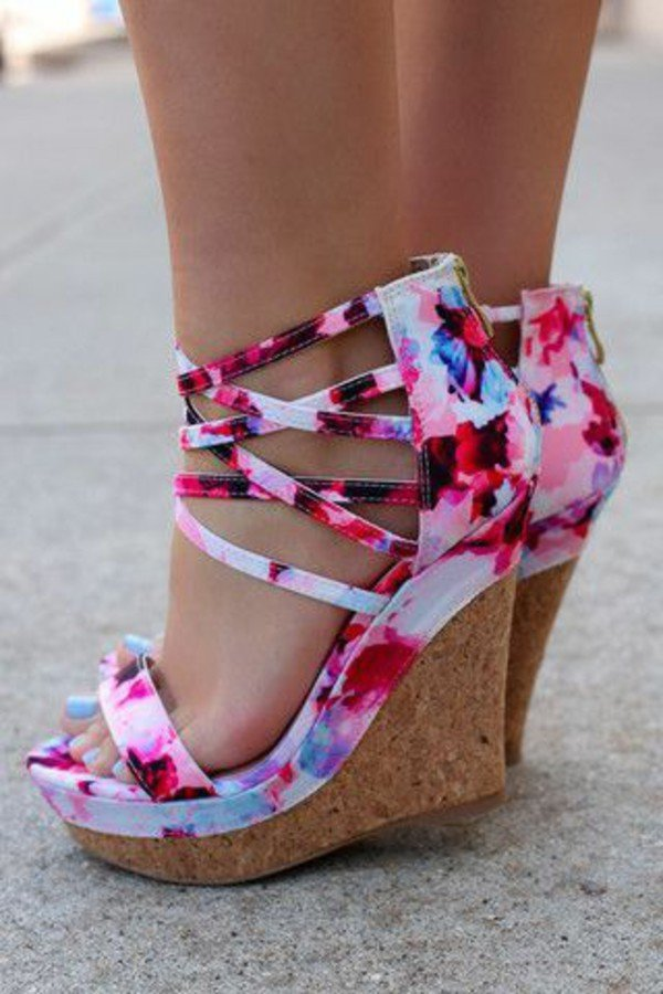 Pretty Wedges Are a Must-Have