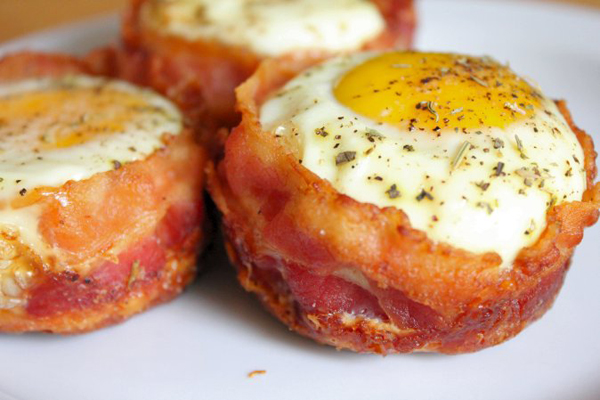 Bacon and Egg Cups - 7 Mouth Watering Egg Breakfast Dishes ...