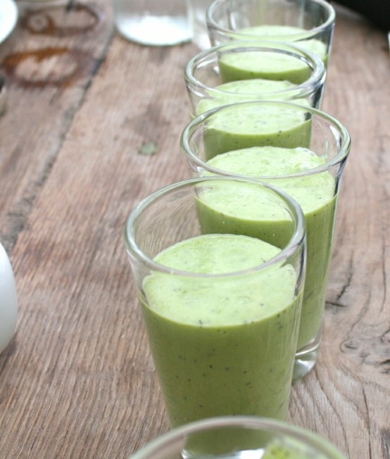 Stomach Cleanser Green Smoothie