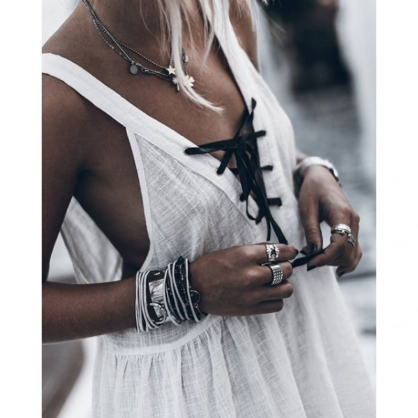 clothing, dress, arm, fashion accessory, fashion,