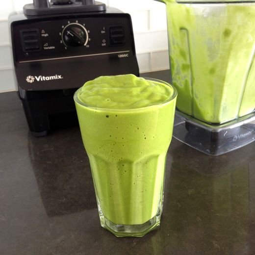 Copycat Whole Foods Tropical Green Smoothie
