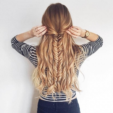hair,clothing,hairstyle,long hair,fashion accessory,