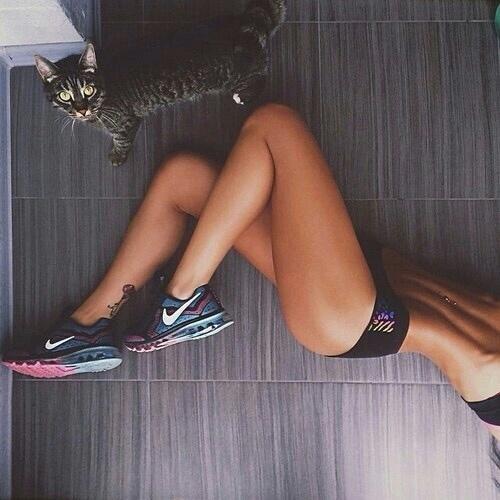 clothing, leg, thigh, footwear, human leg,