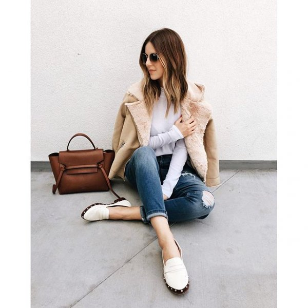 clothing, footwear, human positions, sitting, leg,