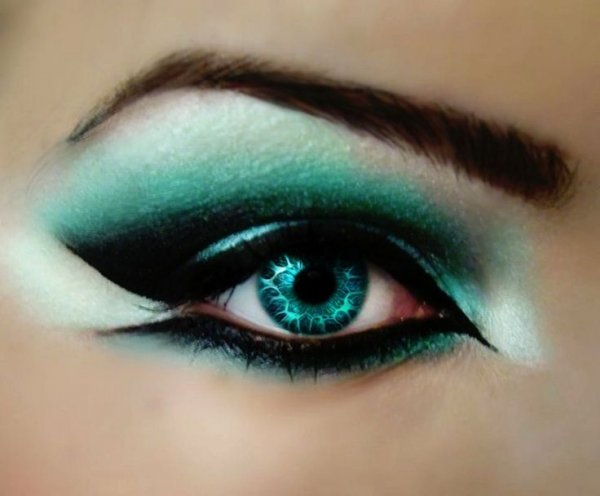 color,eyebrow,eye,face,green,