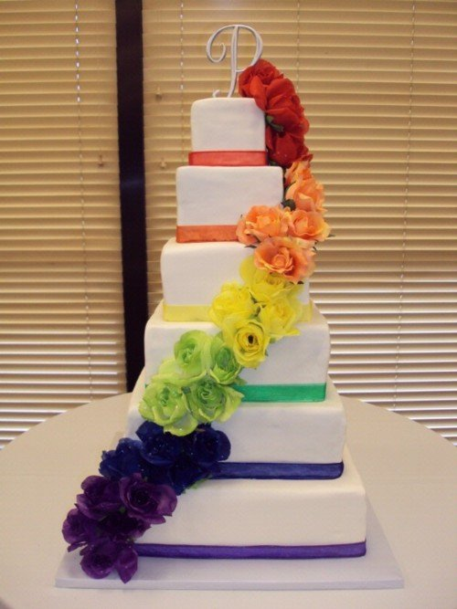 You Need To See These Wedding Cakes That Arent White
