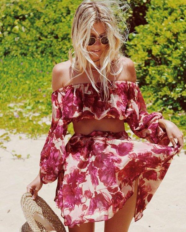 clothing, pink, flower, petal, costume,