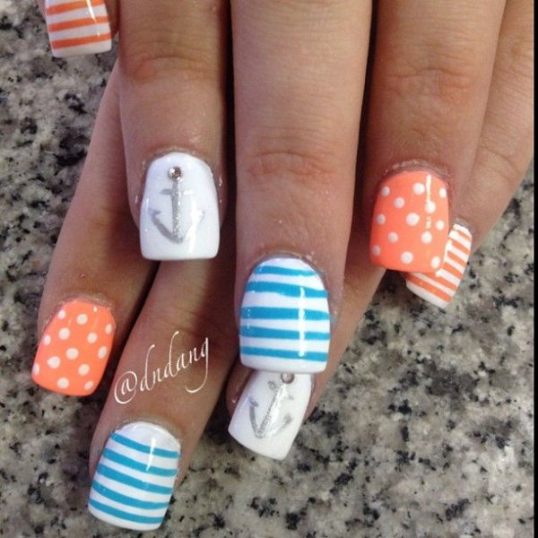 Sweet feminine colors 40 awesome beach themed nail art ideas to nailfingernail caremanicurehand prinsesfo Image collections