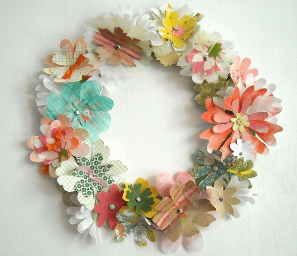 If You Are Thinking Of Creative DIY Ideas For A Seasonal Wreath Using An Embroidery Hoop Is Great Idea Since Already Have The Round Shape