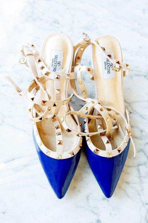 footwear,shoe,leg,spring,outdoor shoe,