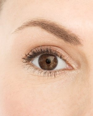 eyebrow,face,eyelash,eye,nose,