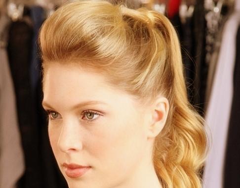 Super 7 Pinned Back Bangs 7 Easy Hairstyles For Fall Hair Short Hairstyles For Black Women Fulllsitofus