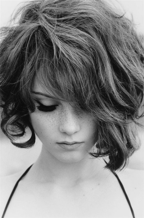 Messy Long Bob - 7 Lovely Hairstyles Ideal for round Shaped Faces ...