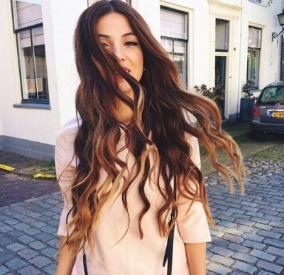 hair,human hair color,clothing,hairstyle,long hair,