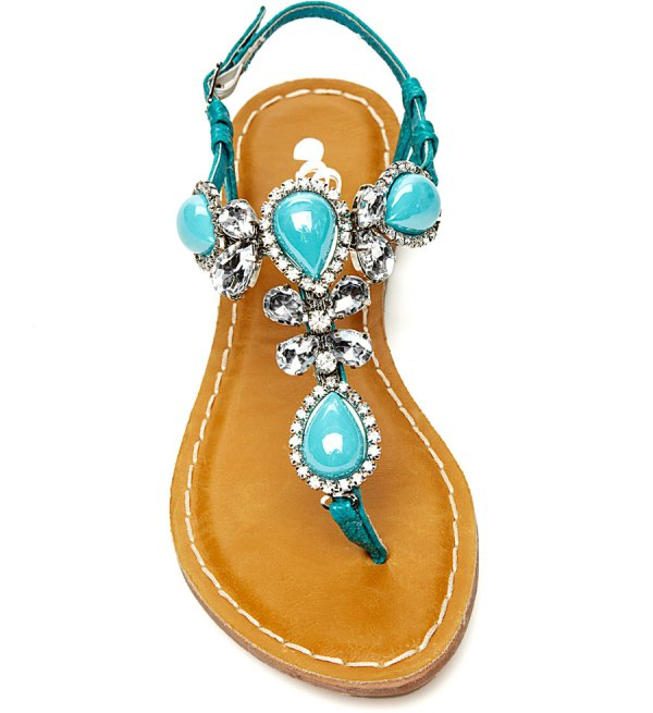 footwear,jewellery,shoe,fashion accessory,sandal,