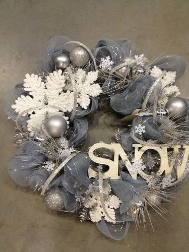 55 Awesome Wreaths to Adorn Your Front Door ... DIY