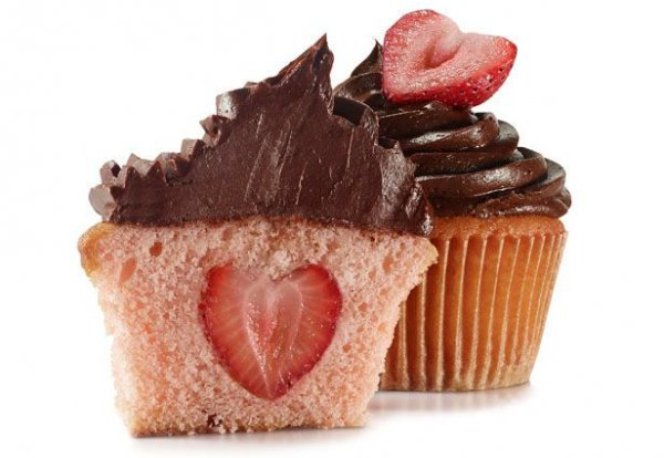 ... Fresh Strawberry Cupcake - Oh Wow! Wait 'Til You See the Surprise