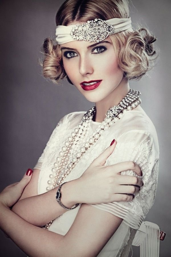 7 Wedding Hairstyles for Girls with Short Hair