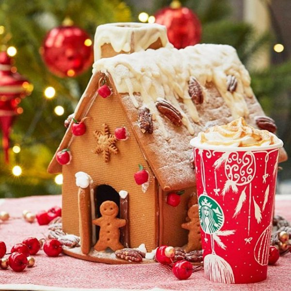 gingerbread house, food, gingerbread, dessert, christmas decoration,