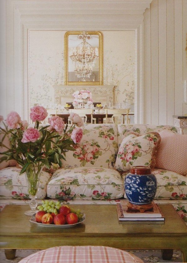 Chintz couch chintz a perfect pattern you decide for Chintz couch