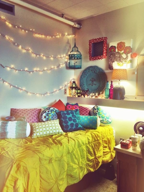 String of Lights - 7 Fabulous DIY Ideas for Your Dorm ... ?