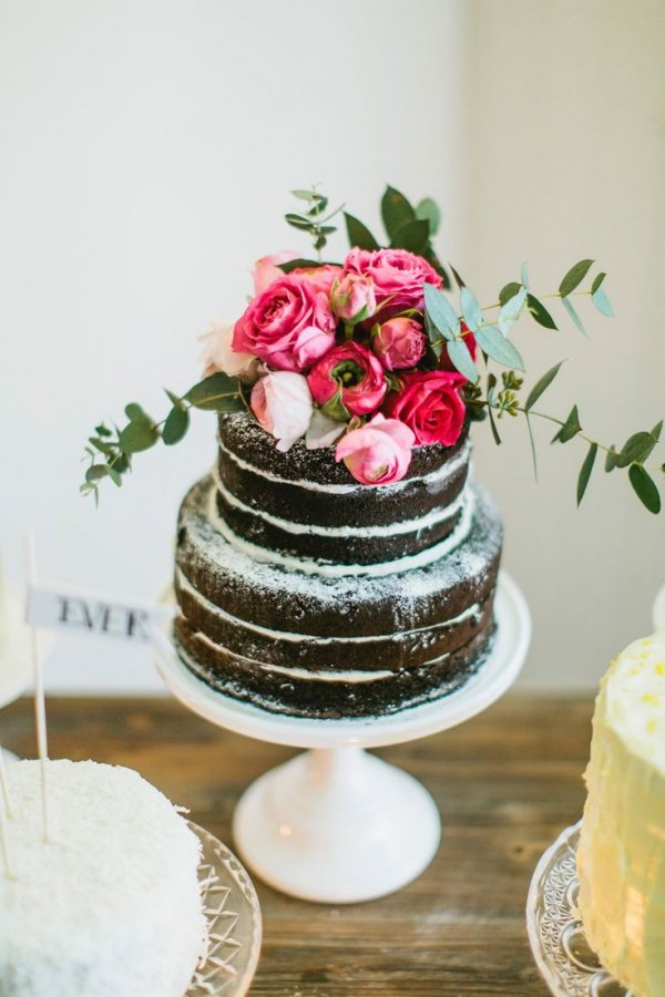 wedding cake,cake,food,buttercream,cake decorating,