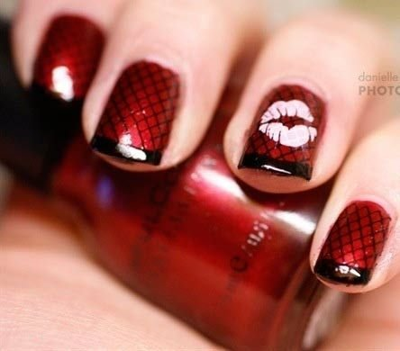 Lip print 39 fabulous valentines day nail art designs lip print prinsesfo Choice Image