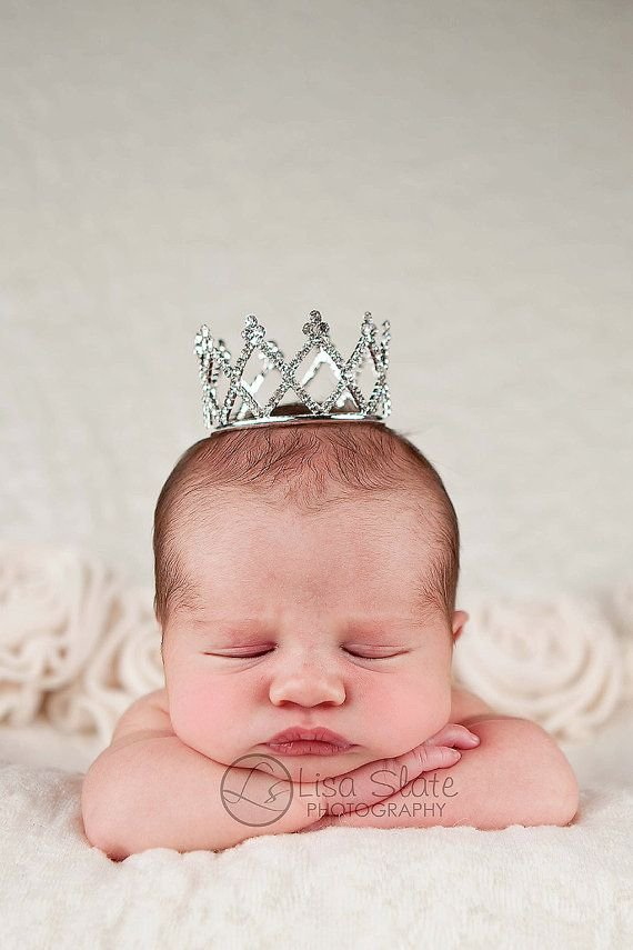Newborn Crown - 29 Wonderful Newborn Photo Poses You Won't ...