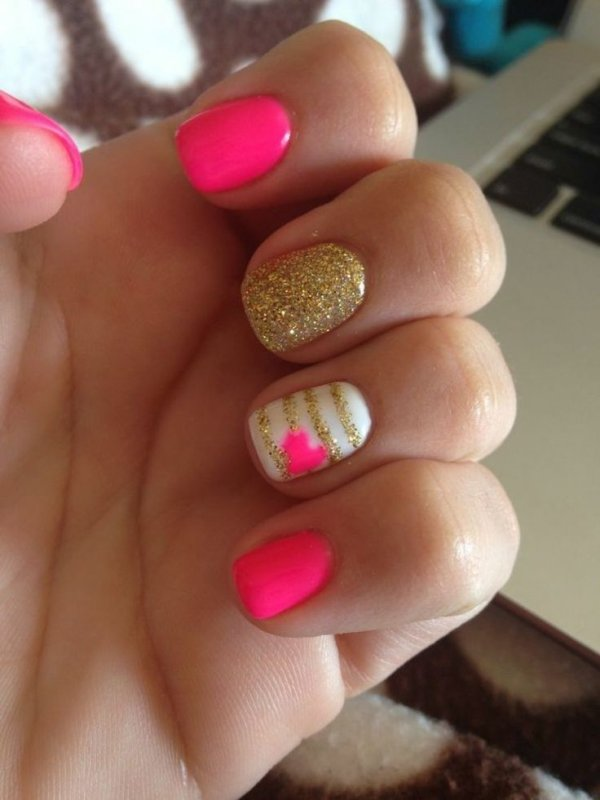 24 Fancy Nail Art Designs That You'll Love Looking At All