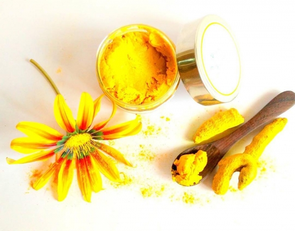 Use Turmeric on Your Lip