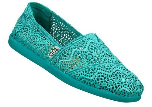 footwear,shoe,turquoise,electric blue,aqua,