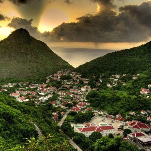 Walk around a Whole Caribbean Island on Saba (a Caribbean Island without Beaches!)