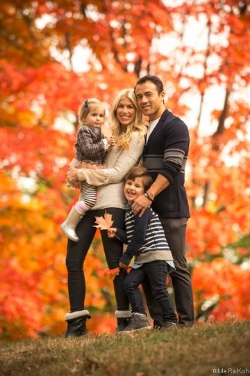 9 red and orange 27 fall family photo ideas you 39 ve just
