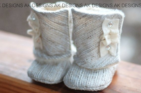 footwear,knitting,art,shoe,fashion accessory,