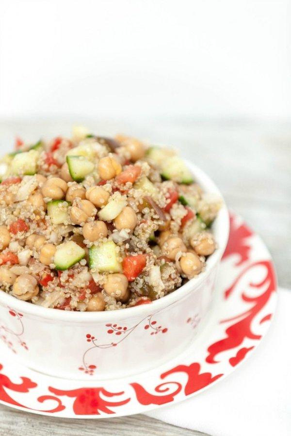 Mediterranean Quinoa Chickpea Salad