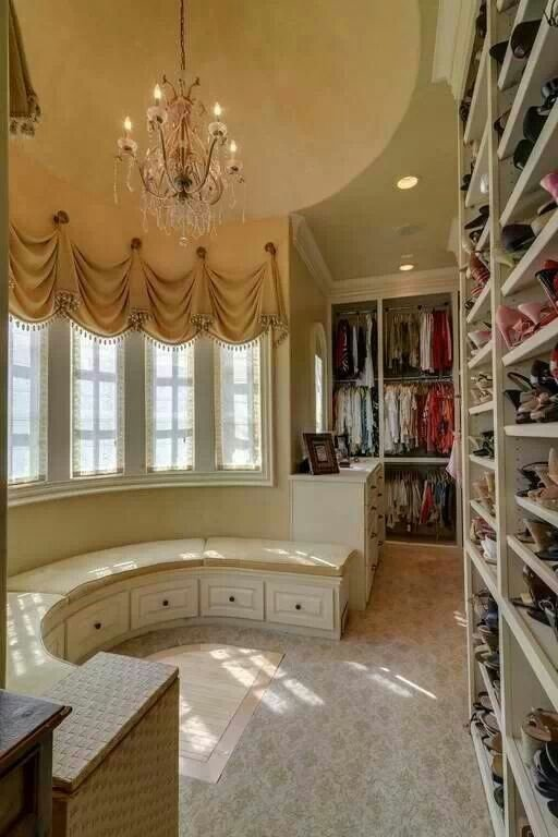 Fancy Walk-in Closet with Circular Lounge Area - 52 Dream ...