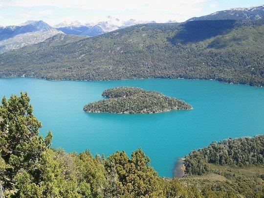 Isla coraz n argentina 7 heart shaped islands perfect for L shaped lake
