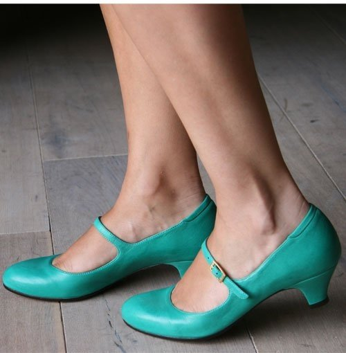 footwear,shoe,high heeled footwear,green,leg,