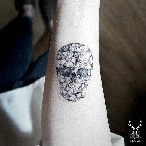 white,ring,arm,finger,nail,