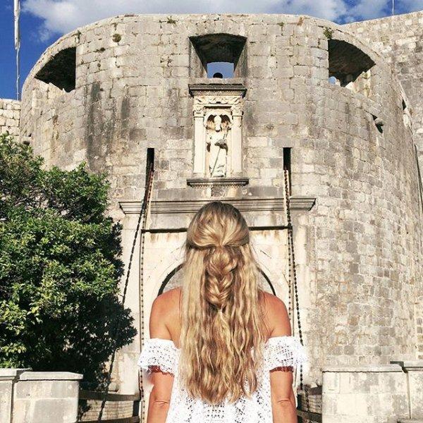 Dubrovnik Castle, portrait photography, facade, wall, lady,