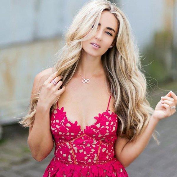 clothing, blond, color, woman, portrait photography,
