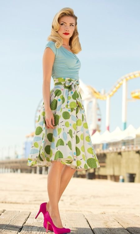 Bright Colors 25 Adorable Dresses For A Fun Retro Style