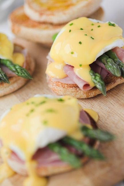 food,eggs benedict,dish,meal,breakfast sandwich,