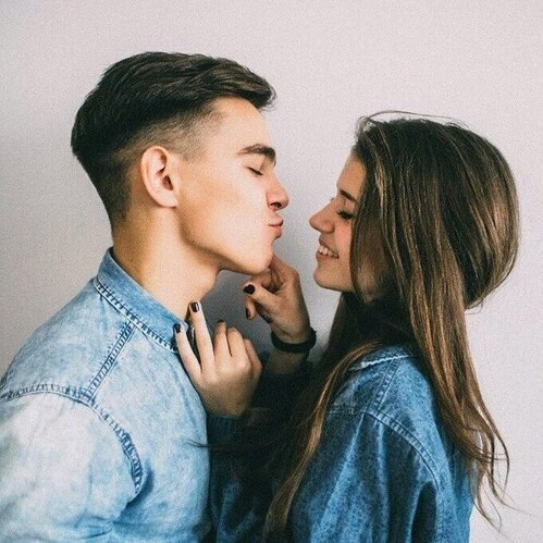 person, human action, kiss, woman, man,