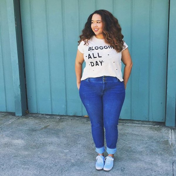 clothing, turquoise, thigh, photo shoot, jeans,