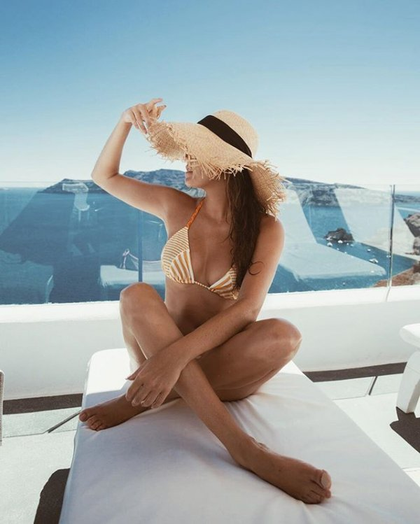 clothing, hair, luxury yacht, human positions, vacation,