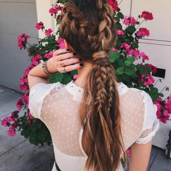 hair,clothing,pink,hairstyle,long hair,