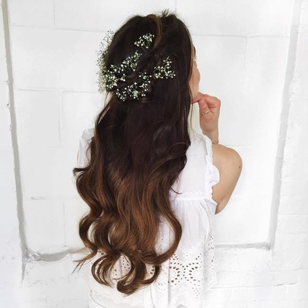 clothing, hair, hairstyle, fashion accessory, long hair,