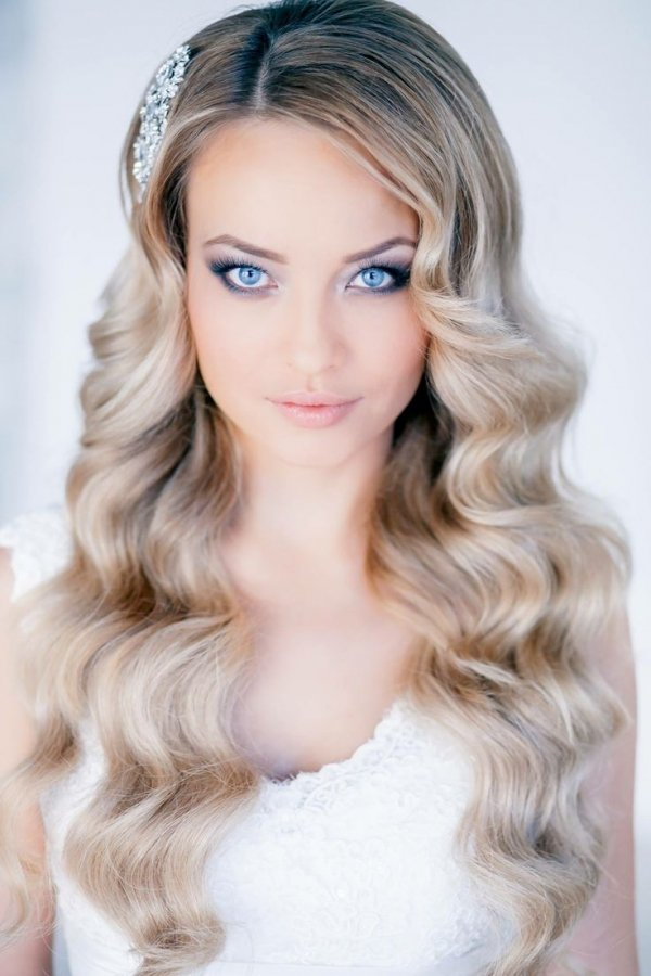 hair,human hair color,face,blond,clothing,