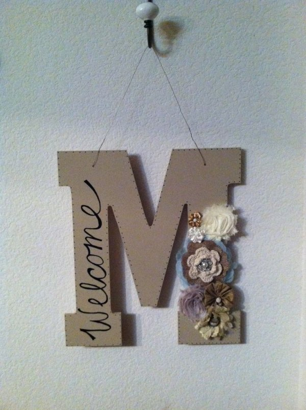 Diy monogram letter 35 amazing diy home decor projects to for Initial decorations for home